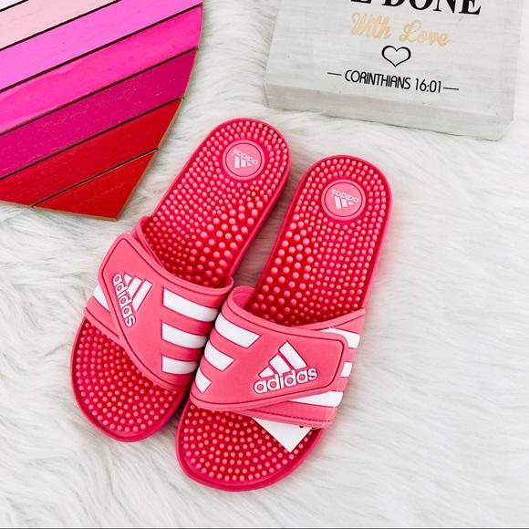b1dc11383b94 NIB ADIDAS Women s Pink Adissage Slides